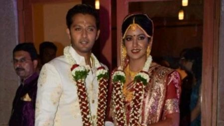 Congrats: Vatsal Sheth and Ishita Dutta tie the knot 1