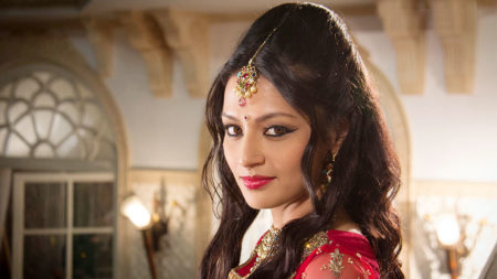 I play a strong, realistic, independent woman in Porus: Suhani Dhanki