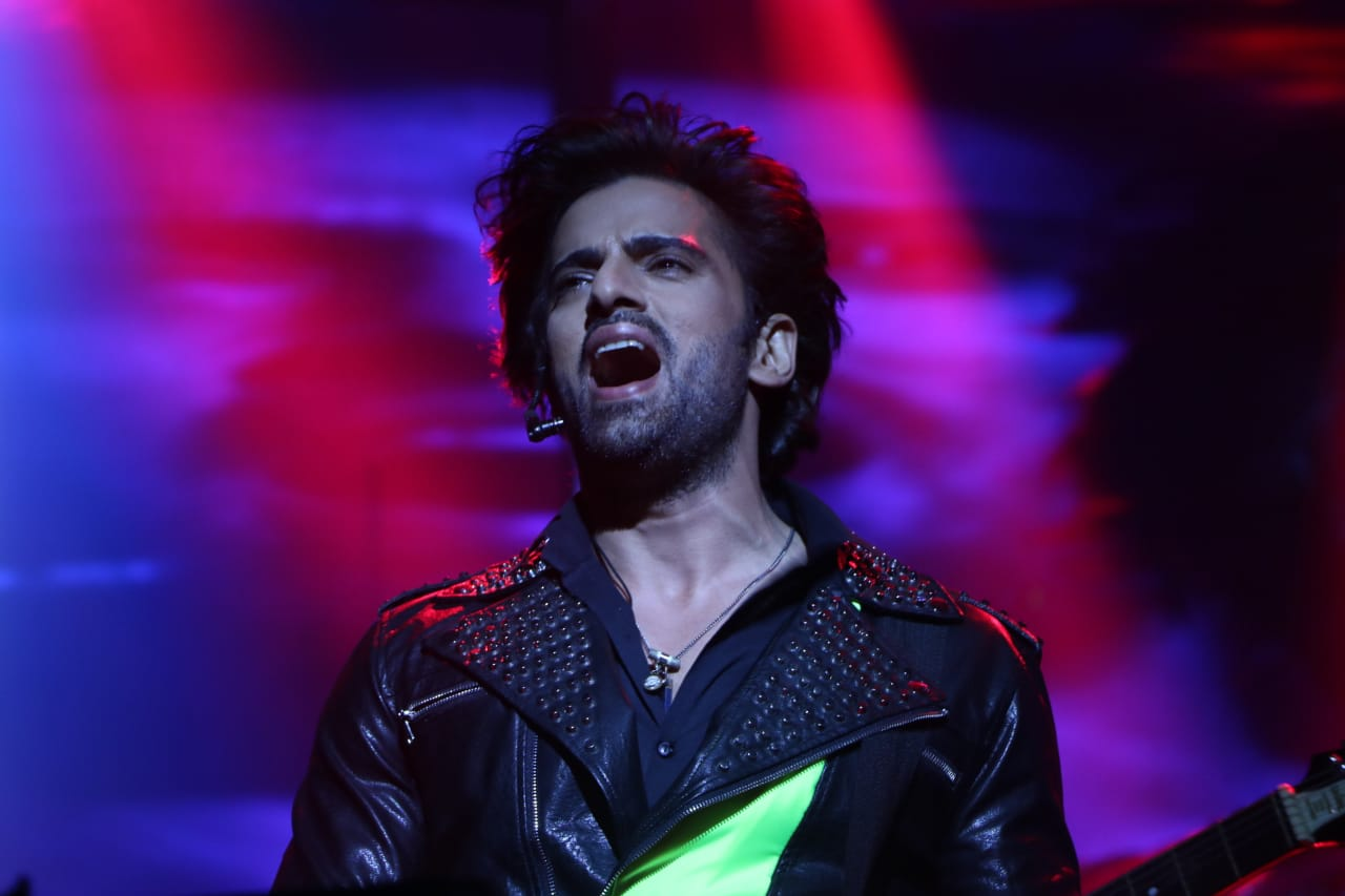 I have promised my Producers that I will sing and record a song for the show in four months: Mohit Malik 1