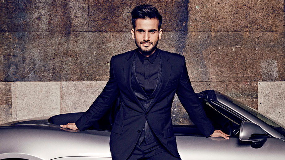Hosting is comparatively tougher than acting: Karan Tacker 1