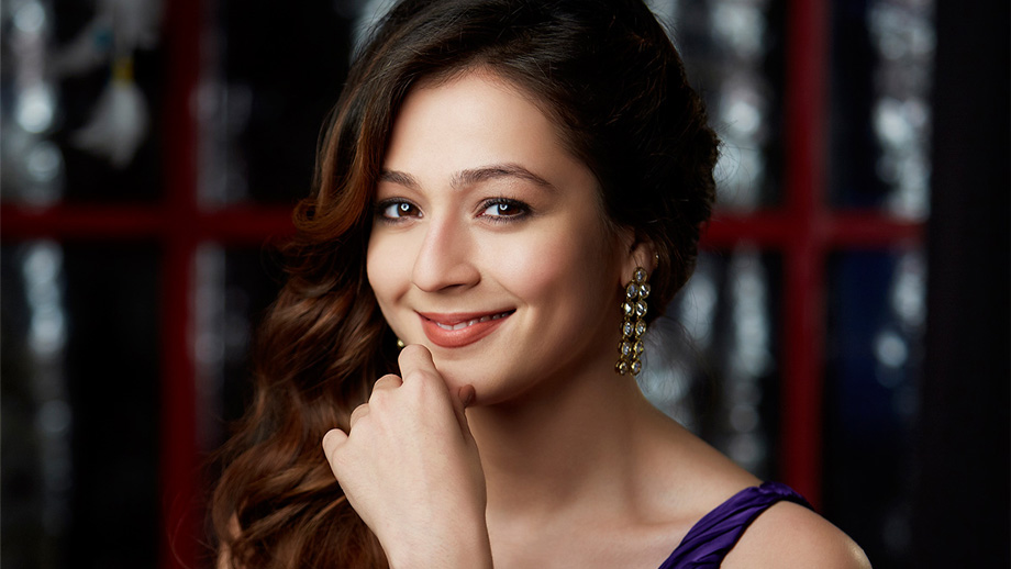 It is an issue kissing a guy on screen, and in Maaya 2, I had to kiss a girl - Priyal Gor