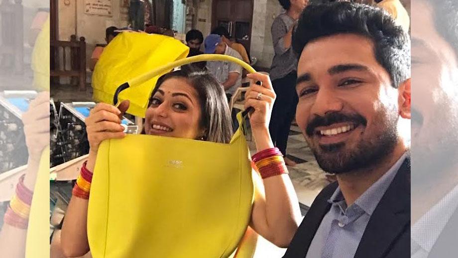 Abhinav Shukla rescues Drashti Dhami from 'bag' troubles!