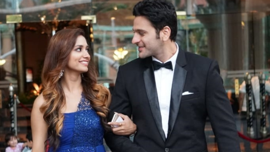 Akhilesh and Ira to face hurdles in Malaysia in &TV's Meri Hanikarak Biwi 1