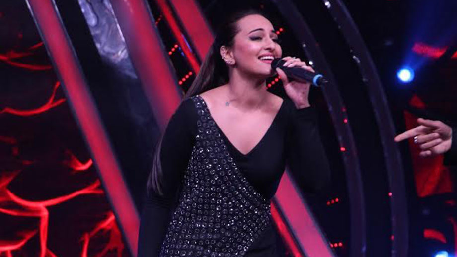 Sonakshi Sinha shares a family secret on Indian Idol 10