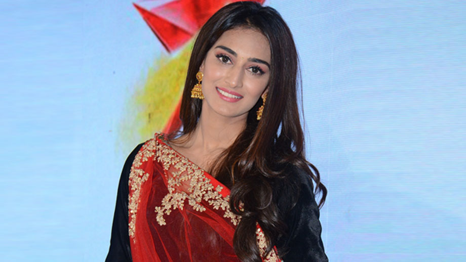 Prerna is poles apart from Sonakshi: Erica Fernandes