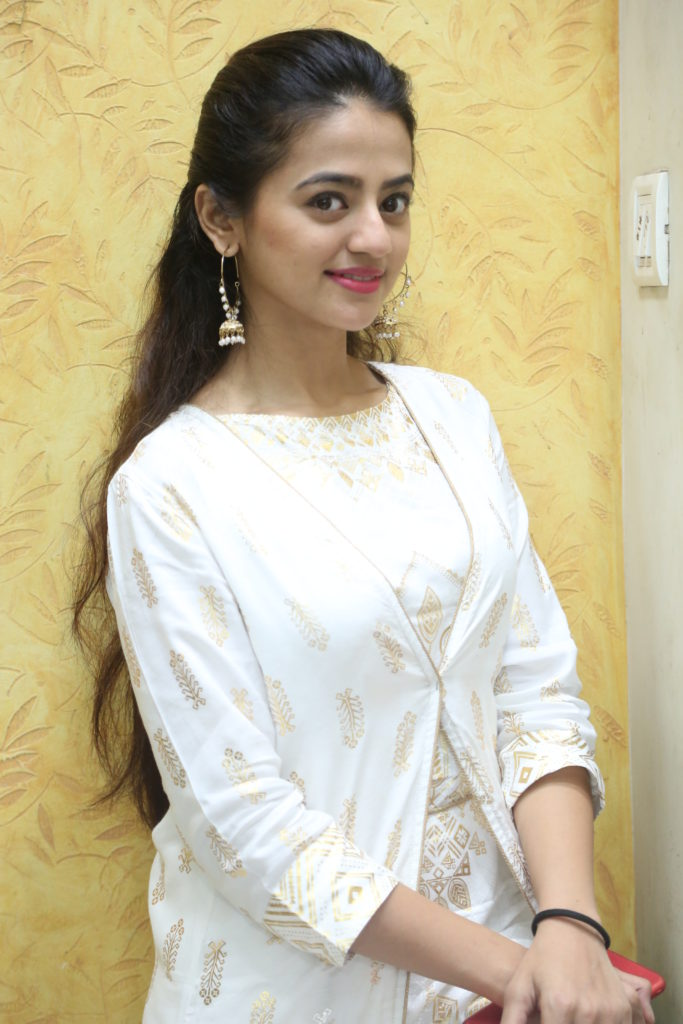 Helly Shah enjoys Live session with IWMBuzz 2