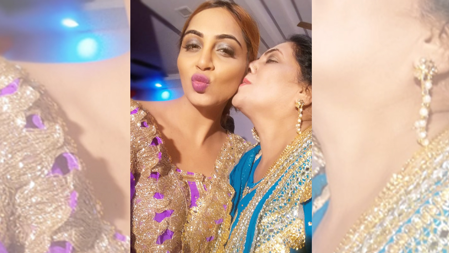 Arshi Khan celebrates her birthday with family