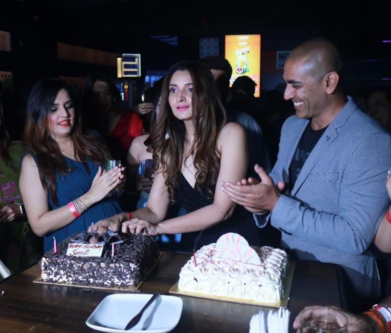 Simran Khanna birthday party 7