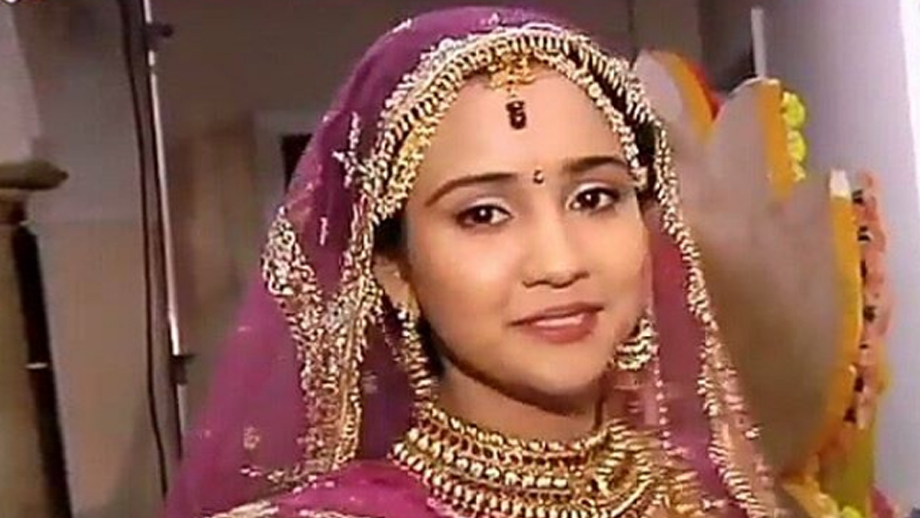 Checkout: Naina's bridal look in Sony TV's Yeh Un Dinon Ki Baat Hai