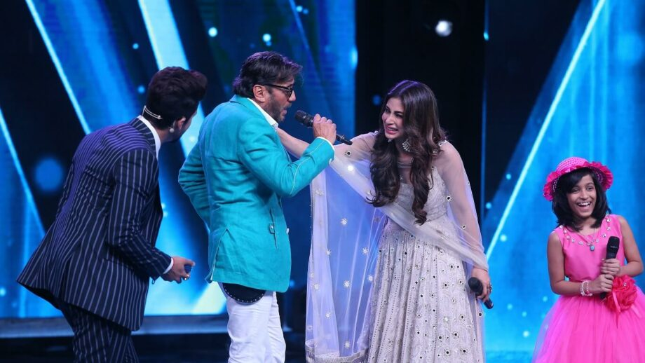 Jackie Shroff and Mouni Roy on Sa Re Ga Ma Pa L'il Champs 4