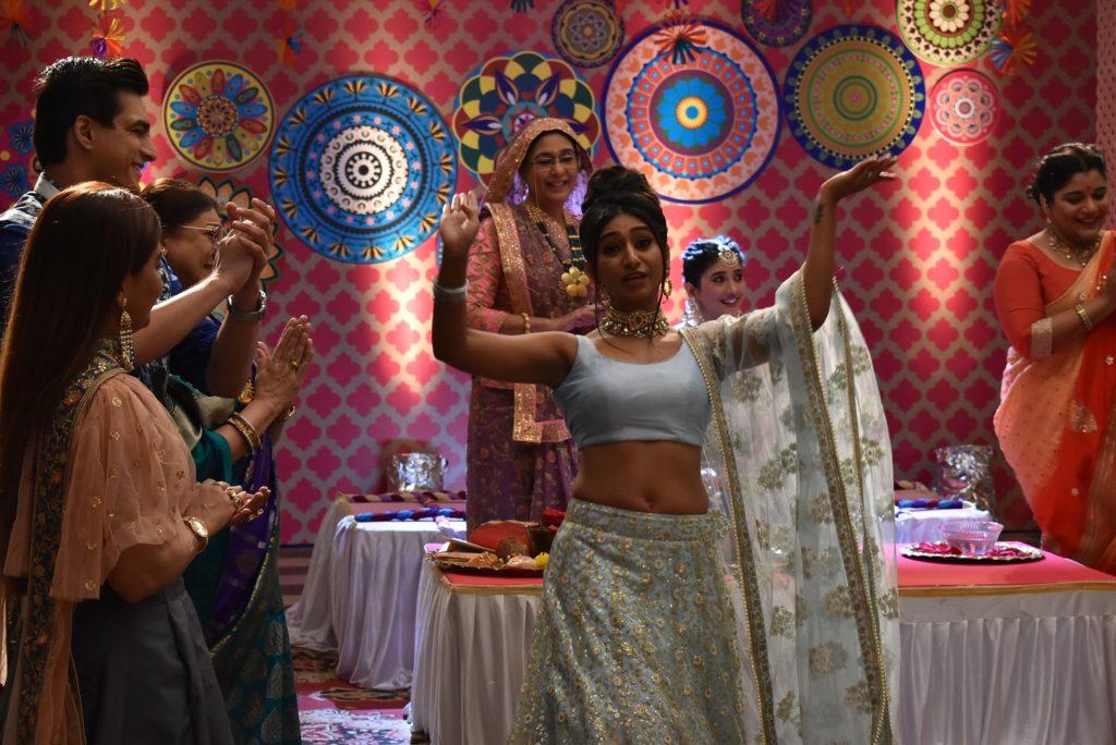 Kartik and Naira's Mehendi ceremony in Yeh Rishta Kya Kehlata Hai 4