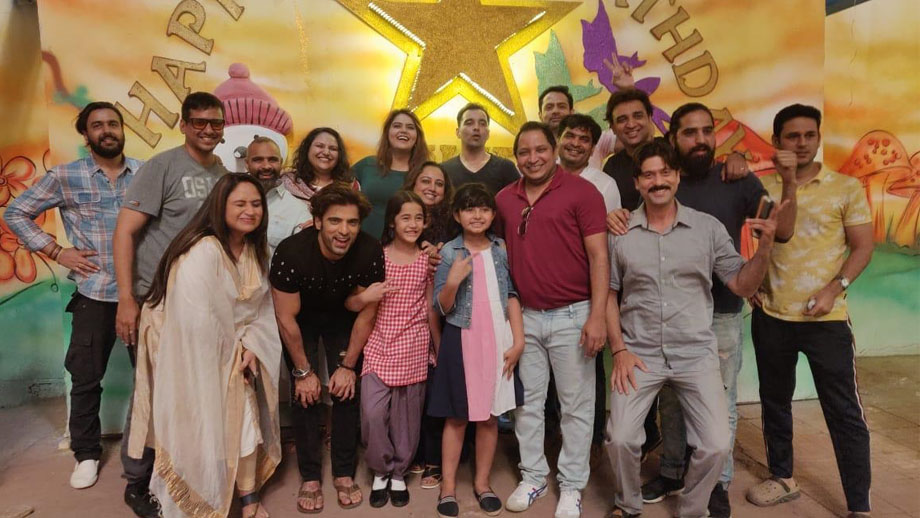 Kulfi Kumar Bajewala team celebrates one year completion 7