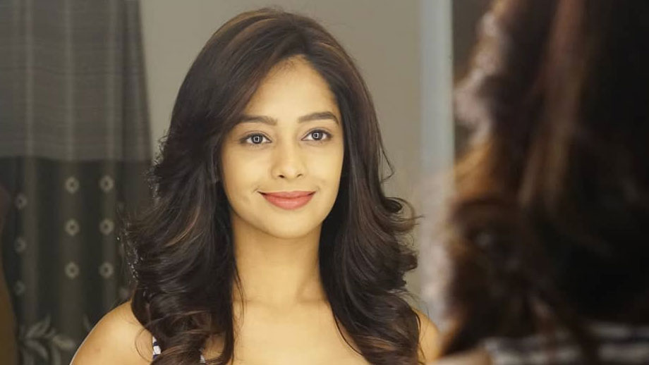 Kumkum Bhagya Actress Mugdha Chaphekar Aka Prachi Looks from 'A Simple Girl Next Door' to 'Absolute Diva'