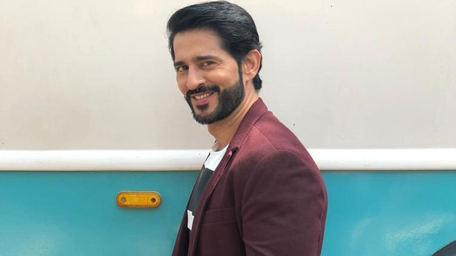 Not comfortable with doing bold scenes in webseries: Hiten Tejwani