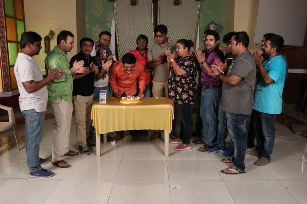 Rohitashv Gour's birthday celebration on Bhabhiji Ghar Par Hai set 3