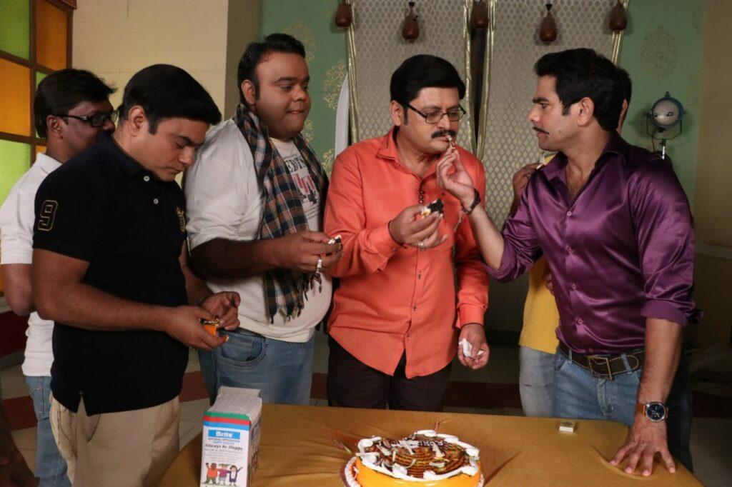 Rohitashv Gour's birthday celebration on Bhabhiji Ghar Par Hai set 7