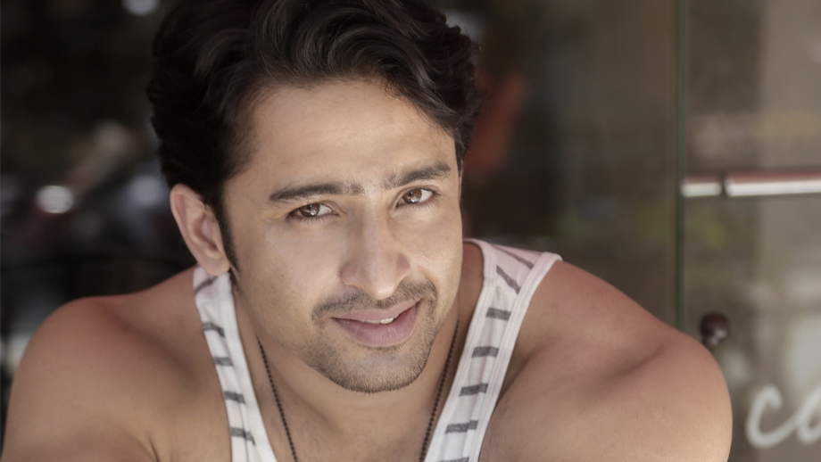 Shaheer Sheikh's female fans surprise him with a special birthday gift
