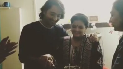 Yeh Rishtey Hain Pyaar Ke team celebrates Shaheer Sheikh and Chaitrali Gupte's birthday on set