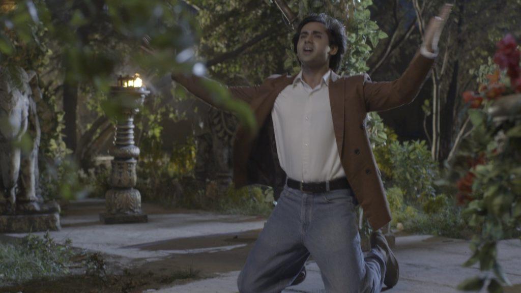 Yeh Un Dinon Ki Baat Hai Sameer and Naina's sizzling hot romance on 'Katein Nahi Kat te Din Yeh Raat' 5