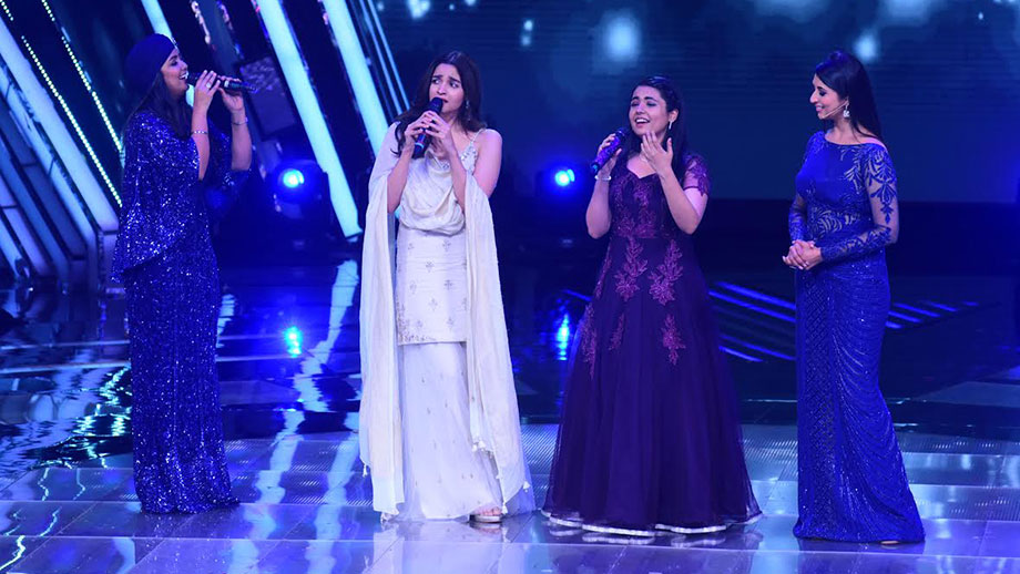 Alia Bhatt sings her popular song Ikk Kudi along with Harshdeep Kaur