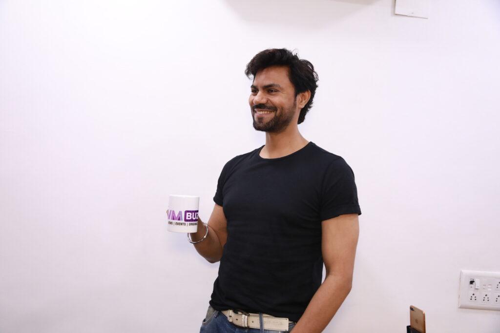 Gaurav Chopraa enjoys Live session with IWMBuzz 5