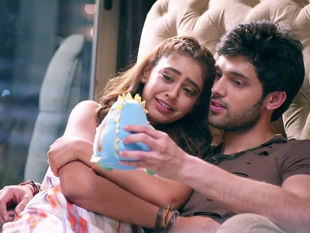 Kaisi Yeh Yaariaan: Manik and Nandini's love moments 7