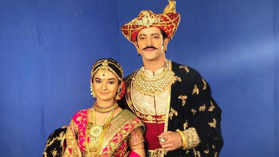 Khoob Ladi Mardaani - Jhansi Ki Rani: Gangadhar to support Mannu against Janki's wishes