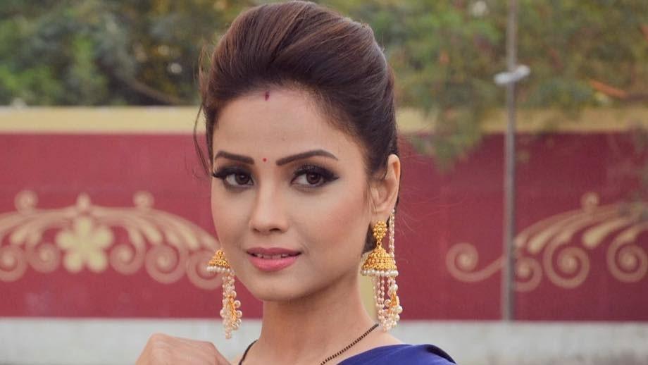 Sitara: Vish Ya Amrit: Adaa Khan has a new co star and it has fangs