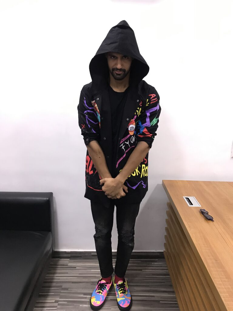 Tanuj Virwani poses after a fun LIVE chat with IWMBuzz 2