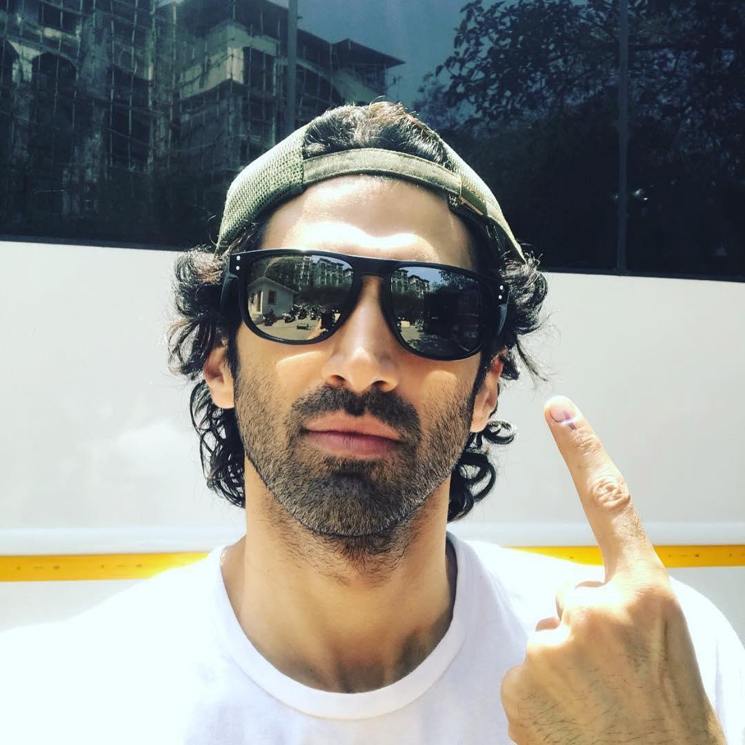#VoteKarMumbai: Kapil Sharma, Nakuul Mehta, Salman Khan, Aamir Khan, Drashti Dhami cast their votes 2