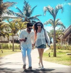 When The Stylish Jodi Ravi Dubey And Sargun Mehta Set Major Fashion Goals Together 5