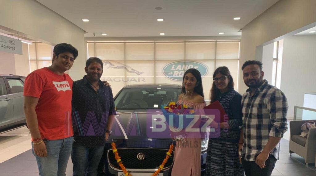 Yeh Rishta Kya Kehlata Hai's Naira aka Shivangi Joshi buys a Jaguar car 2