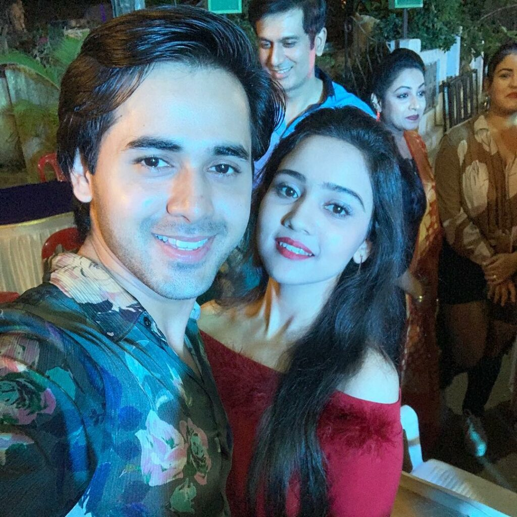 Yeh Un Dinon Ki Baat Hai: Sameer and Naina dance together at 400 episodes celebration