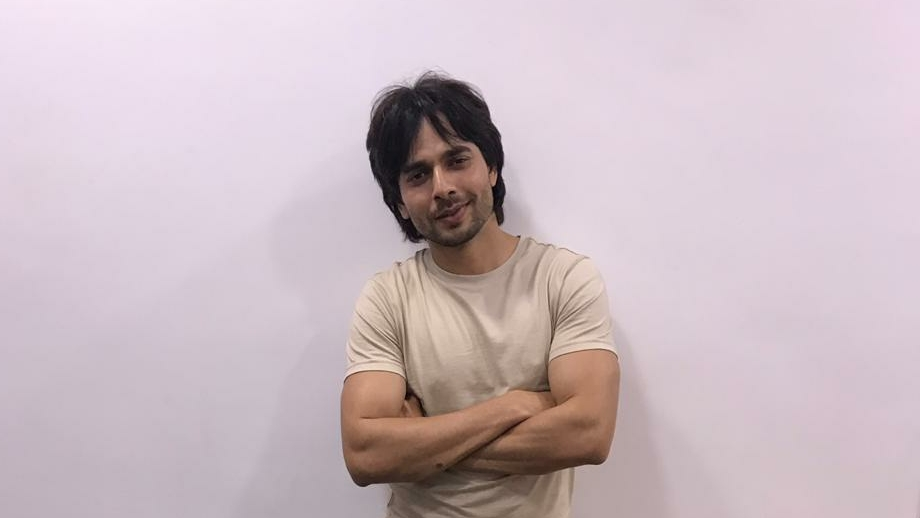 Ansh Bagri poses after a fun LIVE chat with IWMBuzz 3