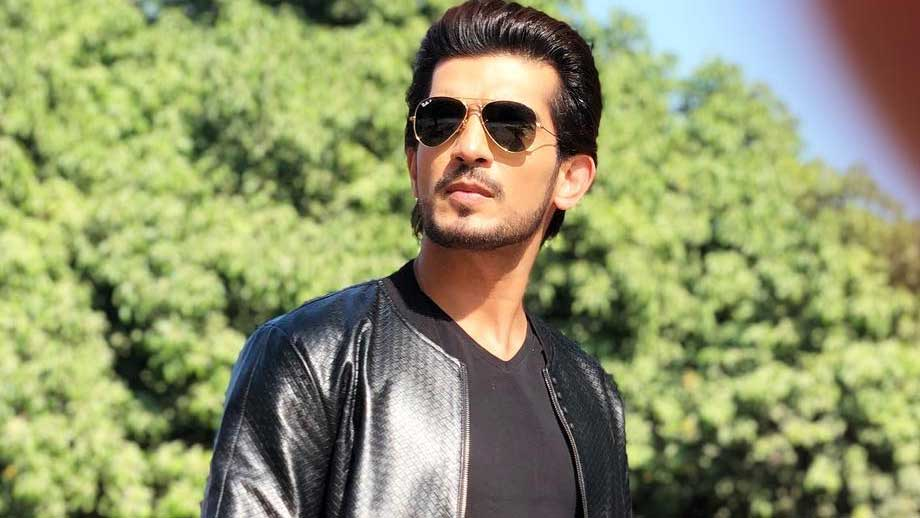 Arjun Bijlani gets saved from a major accident | IWMBuzz