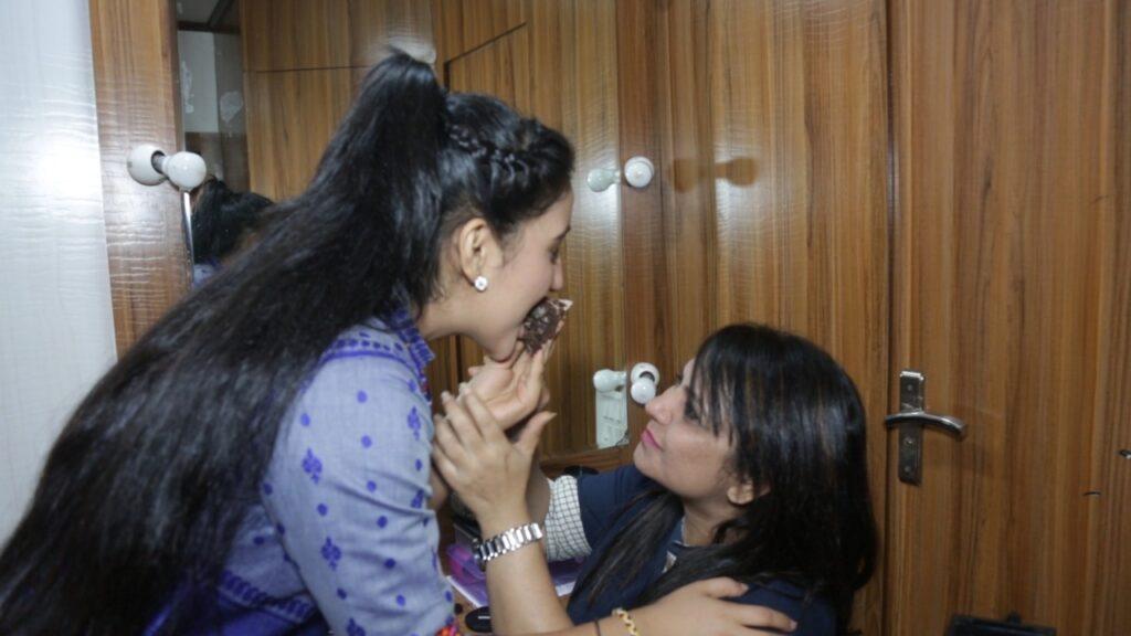 Ashnoor Kaur celebrates birthday with IWMBuzz.com 6