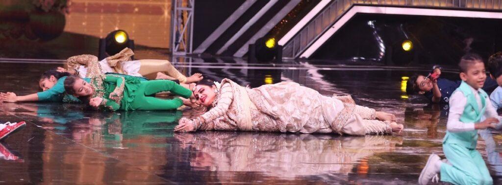 Rekha on Super Dancer Chapter 3 2
