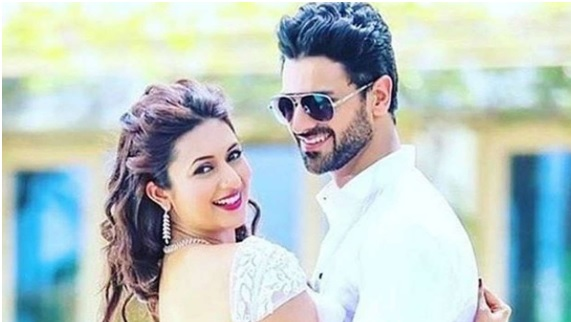 These pictures of Divyanka Tripathi and Vivek Dahiya show they are made for each other
