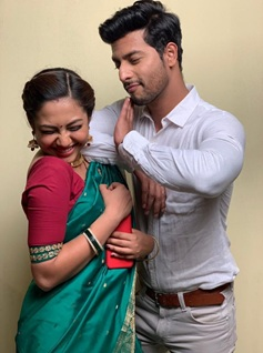 Cute Couple Alert: When Malhar and Kalyani proved they are made for each other 1