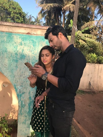 Cute Couple Alert: When Malhar and Kalyani proved they are made for each other 3