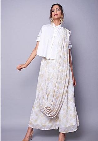 Fashionista Sonam Kapoor is the stylish BFF every girl needs 3