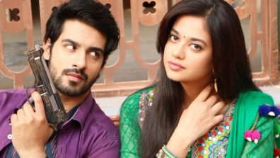 Gathbandhan: Raghu and Dhanak have a hand-cuffed romantic moment