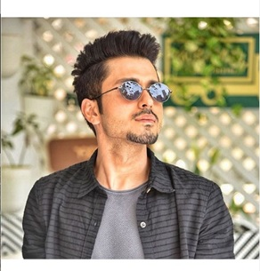 Handsome hunk Amol Parashar here to instantly brighten your day 3