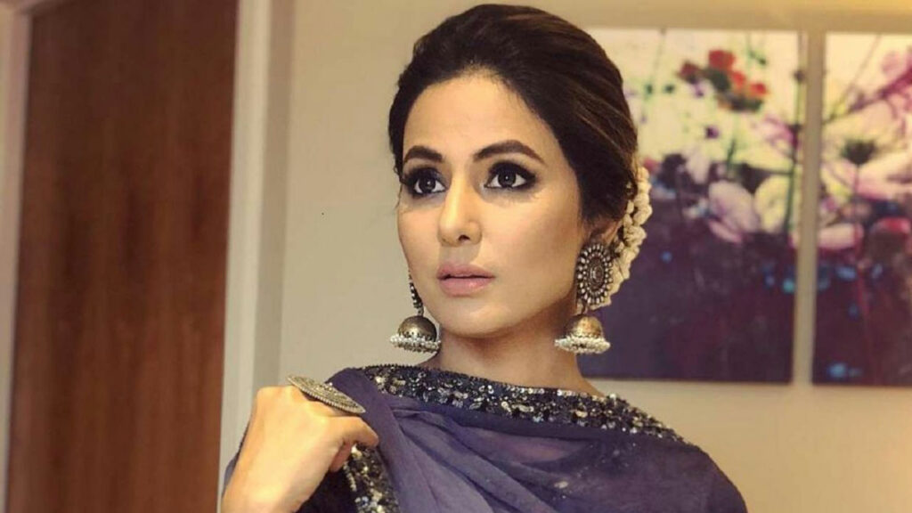 Hina Khan spotted on the sets of Kasautii