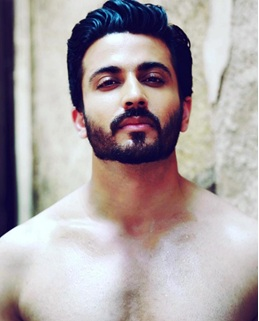 Hottest moments of Dheeraj Dhoopar because why not