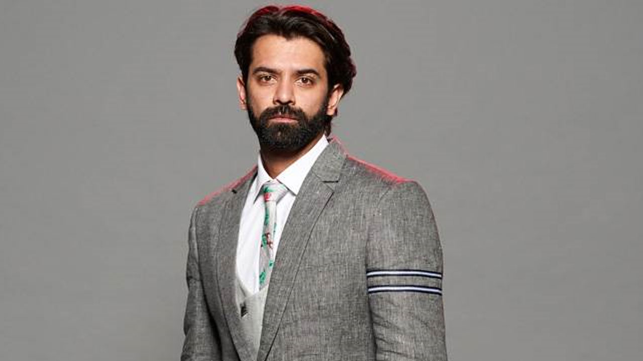Television's hottest hunk Barun Sobti rocked suits with swag
