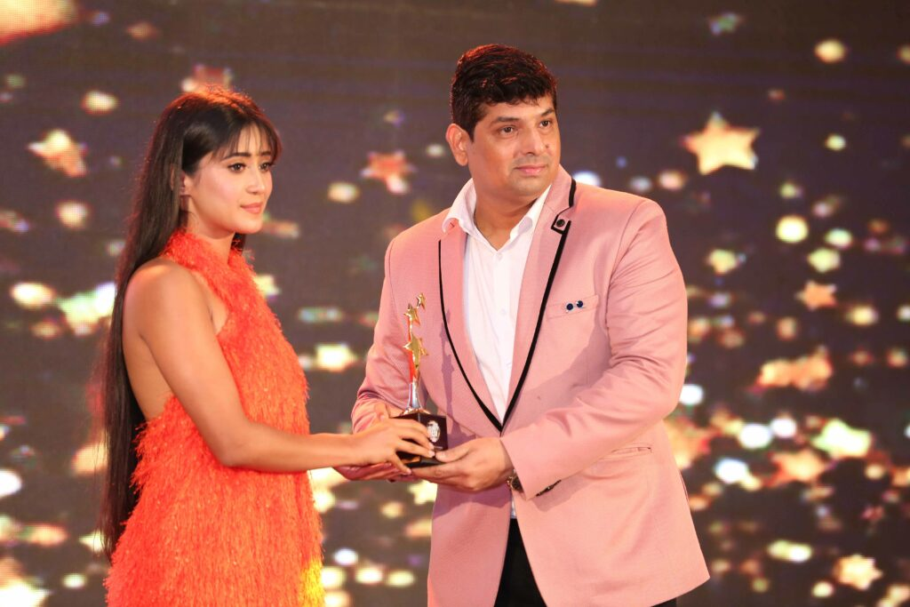 Karan Patel, Zain Imam, Shivangi Joshi, Erica Fernandes win big at IWMBuzz Syska Style Awards 6