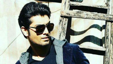 Sharad Malhotra pranks his co-star Tarun Khurana on set