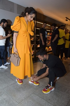 Sonam Kapoor and Anand Ahuja are major couple goals 2