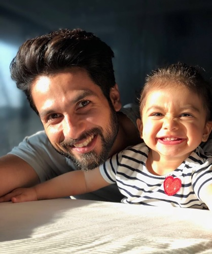 These Pictures Prove Shahid Kapoor is a Complete family man 3